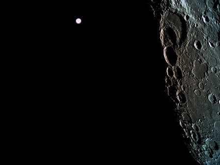 """Израильский аппарат """"Берешит"""" на орбите Луны"""